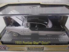 M2 Machines Auto-thentics 1955 Pontiac Star Chief Diecast car White w/ black