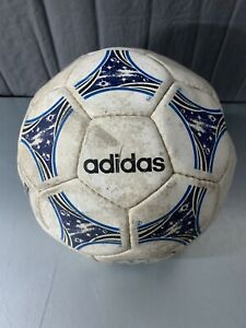 Vintage Adidas Questra Voyager Soccer Ball 1994 - 404.A3Z