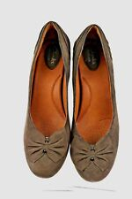 Clarks Artisan ~Society Ball~ Brown Suede Pumps with Bow and Pleating 10N. EUC