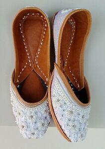 D-115 Punjabi Jutti Buy Designer Jutti & Women's Mojari Online bollywood Shoes