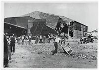 Arbeiten an zerstörten französischen Flugplatz. Orig-Pressephoto, von 1940