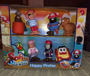 Happy Pirates Soft Toy 8 Pcs New In Box Action Figures Toys