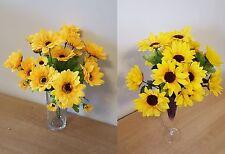 Fiori e piante finte gialli in plastica per la decorazione della casa