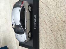 Modelauto ford focus paul s model art schaal 1 op 43 grijs mib