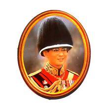 AUFKLEBER Sticker BHUMIPOL  RAMA IX Thailand 11,5 x 9,5 cm mit Hut