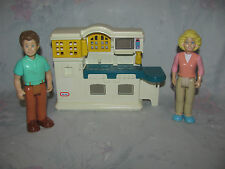 Little Tikes Dollhouse Kitchen - 2 Figures, Mom/Dad