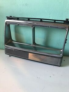 80 85 Volvo 244 LH Drivers Side Headlight Surround Bezel 242 264 (1P)