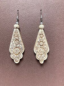 Abstract Carved Cow Bone Long Dangle Ethnic Pattern Pierced 925 Wires Earrings