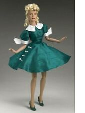 TONNER -WIZARD OF OZ - LADY OZMOPOLITAN Outfit only complete Excellent