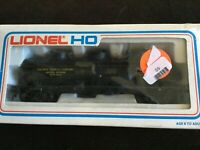 HO Scale Lionel 5-8416 DOW Chemical Co. Triple-Dome Tank Car