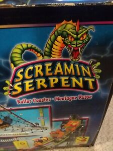 K'NEX Screamin Serpent Roller Coaster Large Lot of Parts/Manual As Is w/ motor