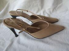 """NWOB NEWPORT NEWS 25929 Womens Leather Classic Pump 4"""" Heels Shoes Sz 9 Beige C."""