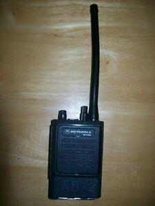 MOTOROLA MT1000 VHF 146-162MHz 16CH 5 WATTS H43GCU7100CU w/ antenna