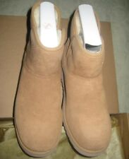 New with box UGG Australia Girls Katalina Boots Size 4 Chestnut