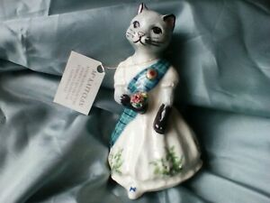 Rare (?) Lomond Ceramics Mrs Mackatt Scottish Highland Dress Clan Cat Figurine.