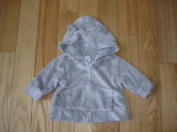 Boys or Girls BABY GAP So Soft Hooded Zip Up Light Grey Jacket Sz 3-6 Mos