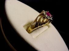 PRETTY 10K YELLOW GOLD RUBY RING
