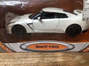 Road Signature Nissan GT-R (R35) 1/24 diecast car D3