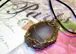 STUNNING HAND-CRAFTED GOLD-WIRE-WRAPPED AGATE SLICE PENDANT  2-3/4 INCHES