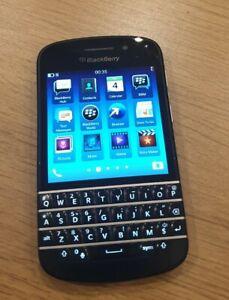 BlackBerry Q10 - 16GB - Black (Unlocked) Smartphone.