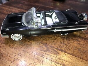 JADA - STREET LOW - 1:24 - 1960 Chevy Impala Convertible Black Lowrider W10