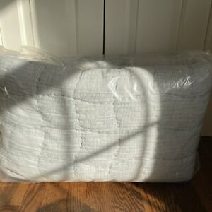 Pottery Barn NWOT Chambray Cloud Handcrafted Linen/Cotton Quilt Full/Queen