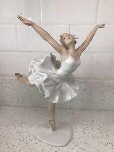 Vintage Wallendorf Ballerina Figure: Schaubach Kunst REPAIRED