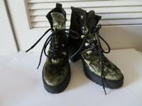 NEW WOMENS TOPSHOP METALLIC OLIVE GREEN VELOUR BOOTS SIZE 7 1/2