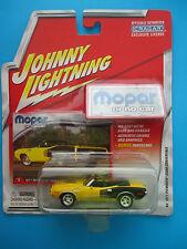 "JOHNNY LIGHTNING ""MOPAR OR NO CAR"" 1971 PLYMOUTH CUDA CONVERTIBLE 1: 64 SCALE"
