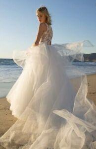 New Authentic Nouvelle Amsale Lexi Lace & Tulle wedding gown Size 10 $2600