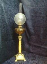 Art. 142 - IGAS Meraviglioso lume a olio petrolio in ottone, onice e cristallo.