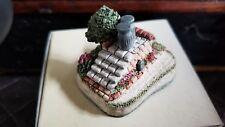"""1991 David Winter Cameos """"Saddle Steps"""" Miniature Figure / Sculpture"""