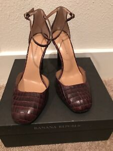 Banana Republic women's  Penelope Pump Chocolate Brown size 8b textured