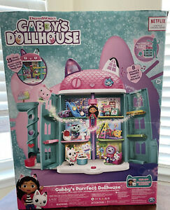 DreamWorks Netflix Gabby's Purrfect Dollhouse With 15 Pcs Toy Figures