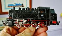 Vintage MARKLIN 3031 (BR 81) Steam locomotive with front and rear lights