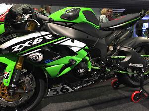 Kawasaki ZX-6R ZX6R 2009-2019 R&G Racing Carbon Fibre Tank Sliders | TS0016C