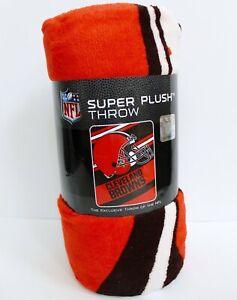 NFL Cleveland Browns Logo Helmet Super Plush Throw Blanket 46 in x 60 in