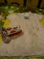 neufs !!!!9mois adorable robe surbrodée   +chaussures assorties =
