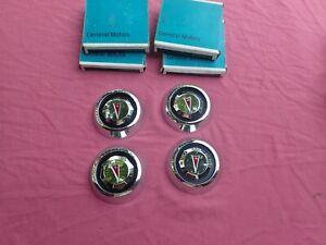 1977-79 Pontiac custom wheel cover center caps, set of 4, NOS! 546970
