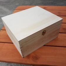 WOODEN BOX 29 x 25 x 15 cm LOCKABLE LATCH FOR DECOUPAGE