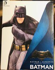 "DC Collectibles: Batman 1/6 Scale 12"" Statue vs Superman Dawn Of Justice"