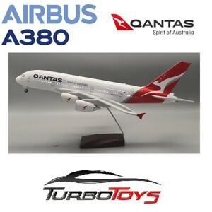 NEW - AIRBUS A380 QANTAS AIRLINES 1/160 LARGE 46CM RESIN LED MODEL WITH STAND