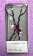 JAPONESQUE Natural Eyelash Curler with one refill pad Natural sweeping curl