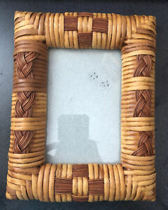 """Vintage Bamboo Rattan Wicker Tropic Style Picture Frame for Photo 4"""" x 6"""""""