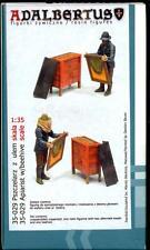 Adalbertus Models 1/35 APIARIST BEEKEEPER WITH BEEHIVE
