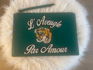 Authentic Gucci L`Aveugle Par Amour Tiger Patch Leather Clutch Bag Green Unused