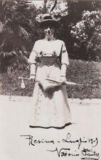 RESINA: PICCOLA FOTO 1909 SIGNORA CON OMBRELLINO