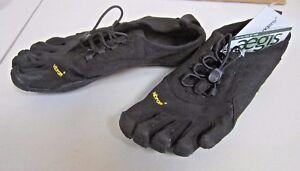 NWOB Vibram 5 Finger Shoes Barefoot Tech toes Trek Ascent Left foot 7, right 7.5