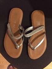 ltalian Shoemakers Sequin Thong Sandals Size 4, Fits US Size 6