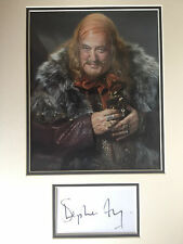STEPHEN FRY - THE HOBBIT ACTOR - EXCELLENT SIGNED COLOUR DISPLAY
